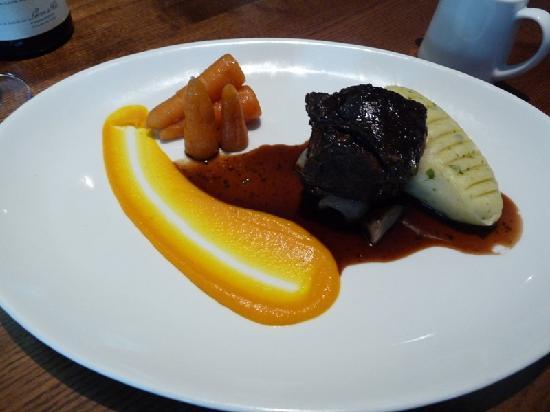 Bailey's Bar & Restaurant: Daube Beef