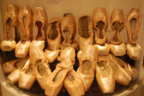 National Museum of Dance & Hall of Fame : En Pointe display