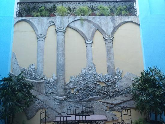 Hotel del Tejadillo: breakfast courtyard
