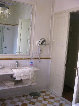 Grand Hotel Principe di Piemonte: Double Vanity