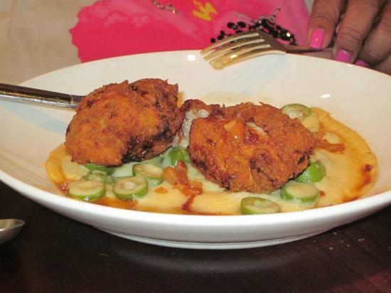Seven Hills: Crispy Chicken w/polenta