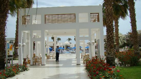 Maritim Jolie Ville Resort & Casino Sharm El-Sheikh: Staff at most places responsive to your needs