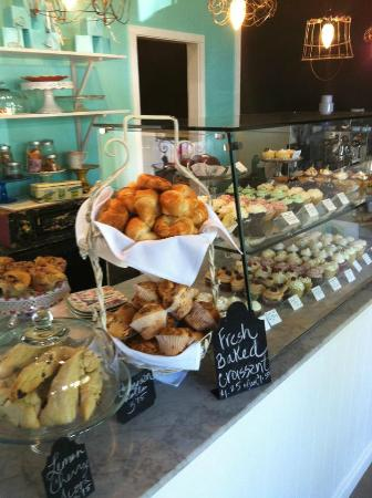 Local Roots Food Tours: The cutest little cupcake shop ever!  Lila and Sage