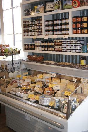 Local Roots Food Tours: great cheese selection at Lavender Ridge.