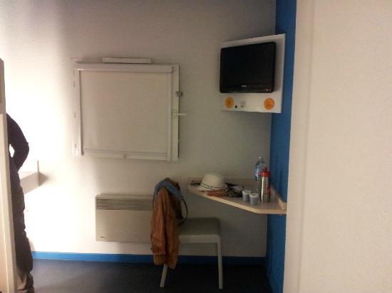 HotelF1 Avranches: TV