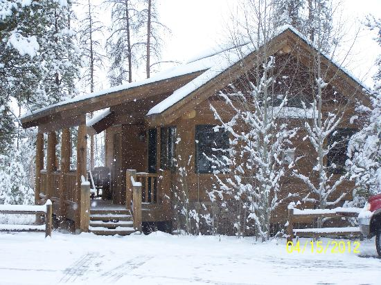 Wild Horse Inn: Our cabin