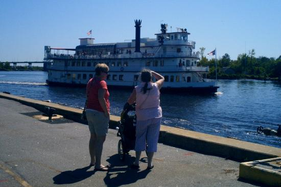 Cape Fear River: Watching The Henrietta.
