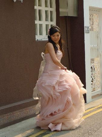 Dragon's Back: A lot of brides in Shek-O