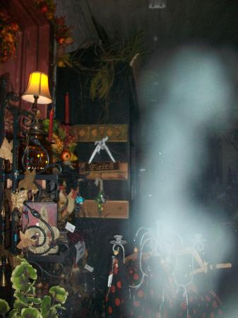 Old Town Spring Ghost Tours : Old Town Spring Walking Tour & Ghost Hunt