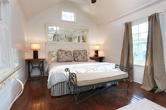 Round Top Inn: The Little Cottage