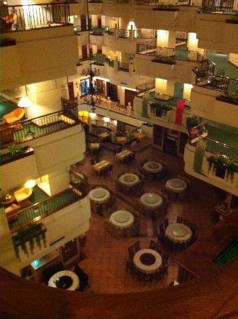 Wei-Yat Toong Mao Grand Hotel : view of dining area from fifth floor