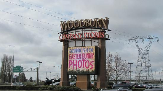 Woodburn, OR : mall