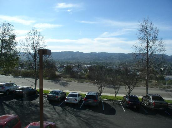 Grand Vista Hotel: View of foothills of Simi Valley