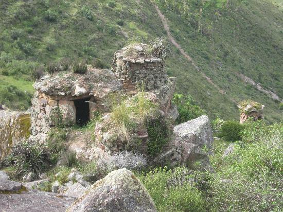 Inca Quarries: Round shacks