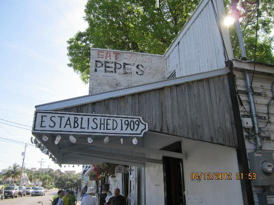 My bride loved the Key Lime Pie! - Photo de Pepe's Cafe, Key West ...
