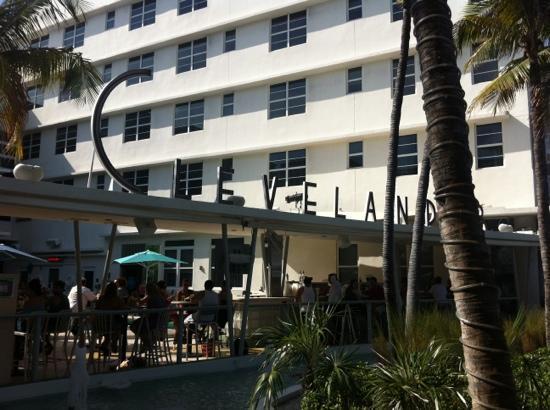 Massage Isles: Miami beach staple - on ocean drive