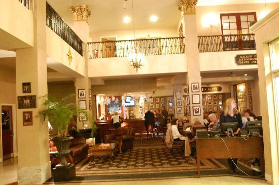 Historic Hotel Bethlehem: Hotel lobby