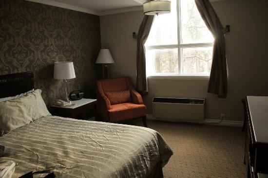 Elm Hurst Inn & Spa: room view 3