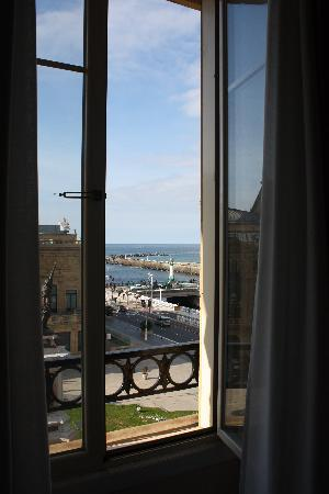 Hotel Maria Cristina, a Luxury Collection Hotel, San Sebastian: view from 318