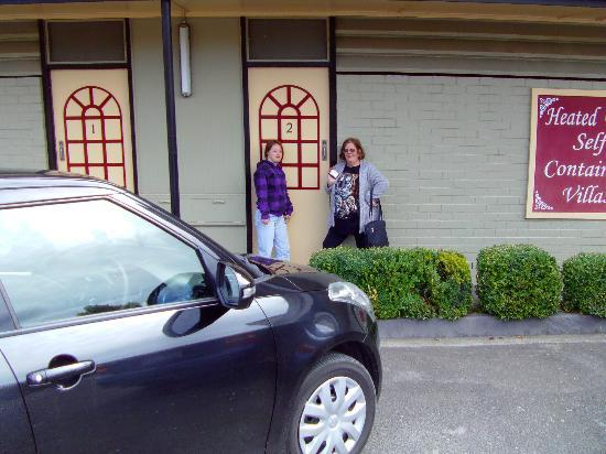 Village Family Motor Inn: Me with my daughter and GPS!