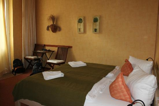 Hotel Pension Senta: Bedroom