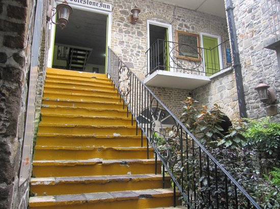 The Cobblestone Inn: There is no elevator!  Be prepared for the steep stairs.