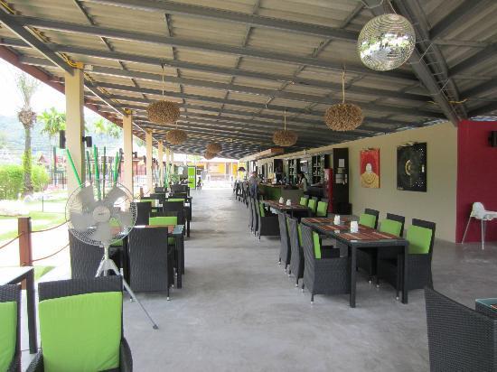 Phuket Adventure Mini Golf: restaurant
