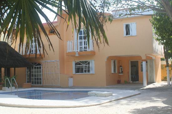 Hacienda del Sol: back of house