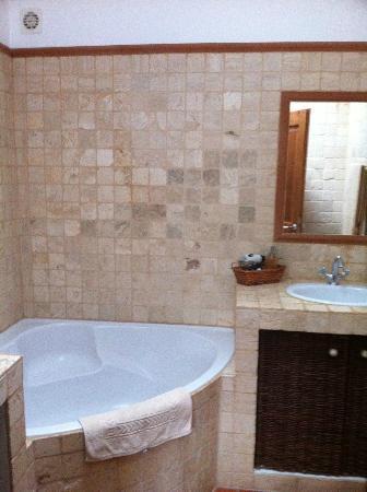 Jardin de Bacchus : Bathroom