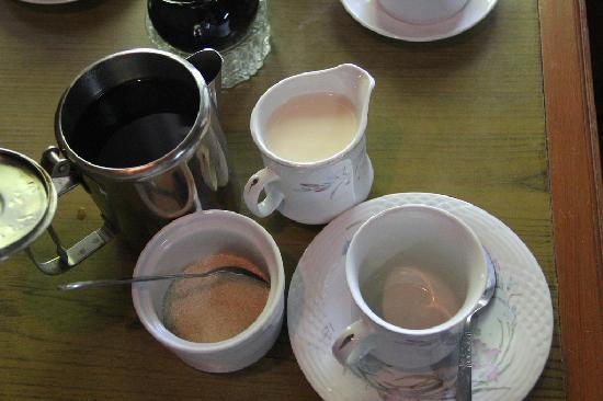 Kumudara Hotel Bagan : Coffee I ordered - served by pot