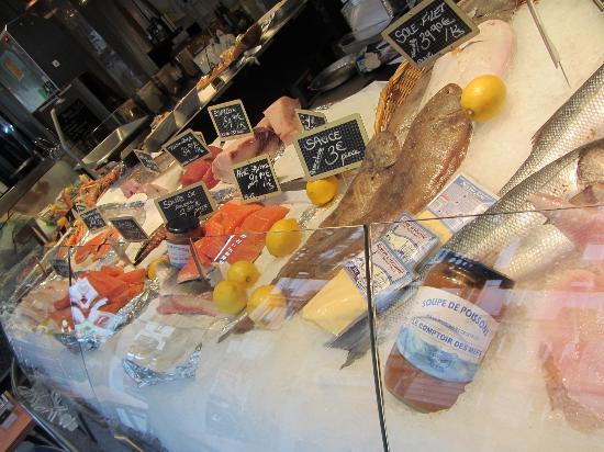 Le Comptoir des Mers : outside shop for take home