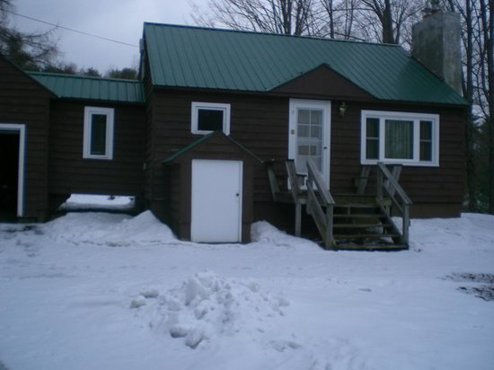 Adirondack Pines B&B and Vacation Rentals: outside