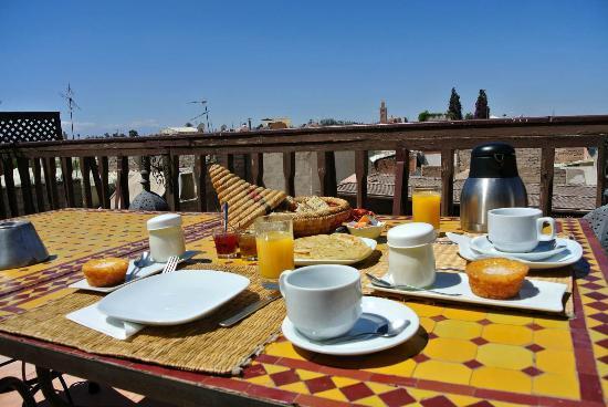 Riad Aubrac : Colazione in terrazza