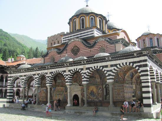 Magic Day Tours Bulgaria: Melnik Manastir