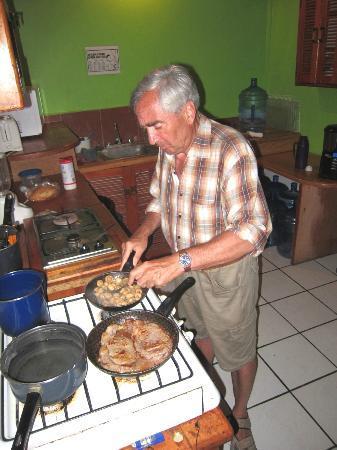 Hostel Che: Frühstück inclusive. Abends kann man sich auch ein schmackhaftes Essen zubereiten