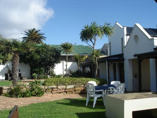 Mossel Bay Backpackers: The house
