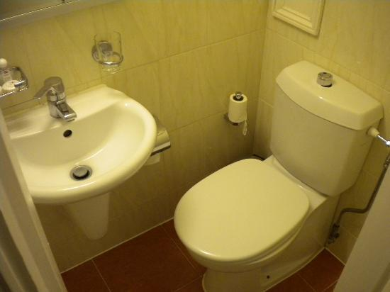 Beverley City Hotel : bagno
