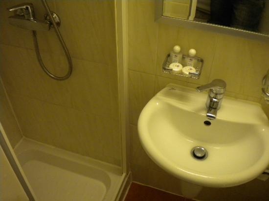 Beverley City Hotel : lavandino minuscolo