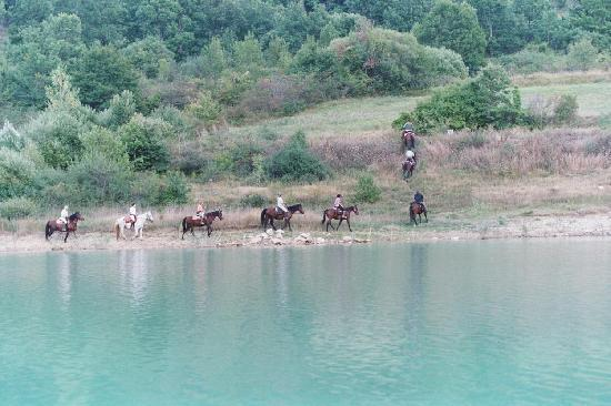 Ranch Brionna: Trekking Lago di Barrea