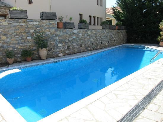 Maritsa's Hotel-Suites : Pool