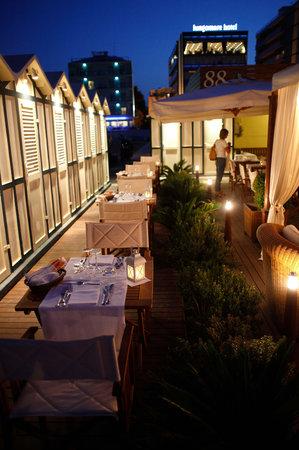 Hotel Lungomare : Cena in spiaggia
