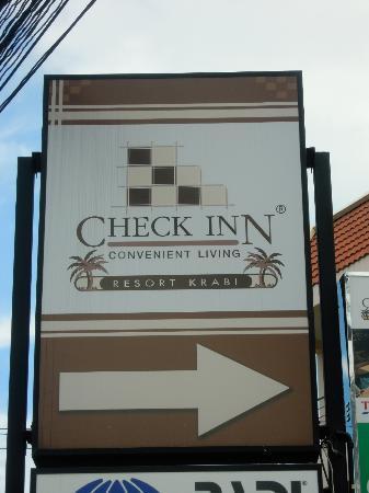 Check Inn Resort Krabi : Panneau à l'arrivée