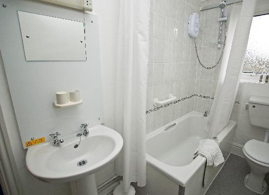 Beckside Cottage: Bathroom room1