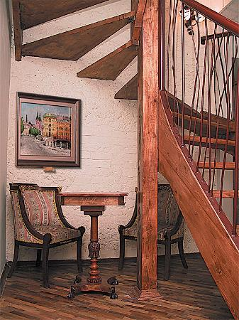 Бутик-отель Рахманинов: Ladder in the hall