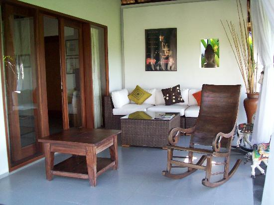 Villa Kaba Kaba Resort Bali: A sitting area at the guest villa