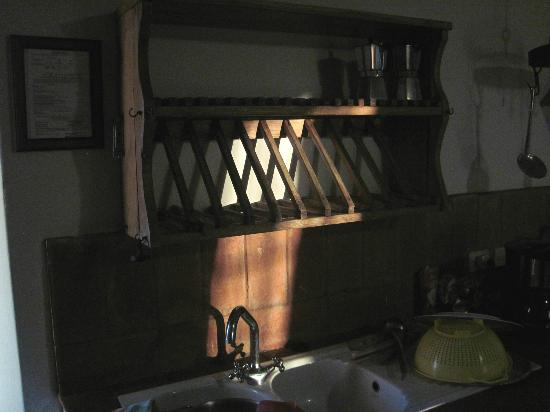 Petrolo: Dish rack over sink in morning sun