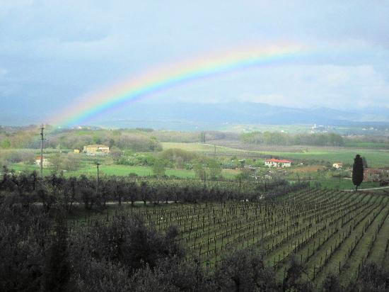 Petrolo: Rainbow view from the front landing