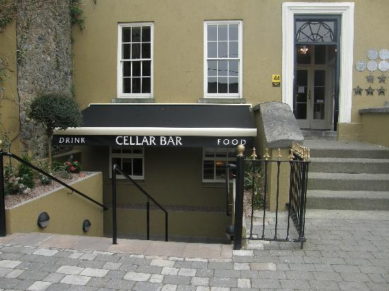 Baileys Hotel Cashel: New entrance to the Cellar Bar