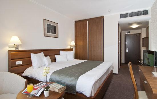 Ramada Cluj: Room