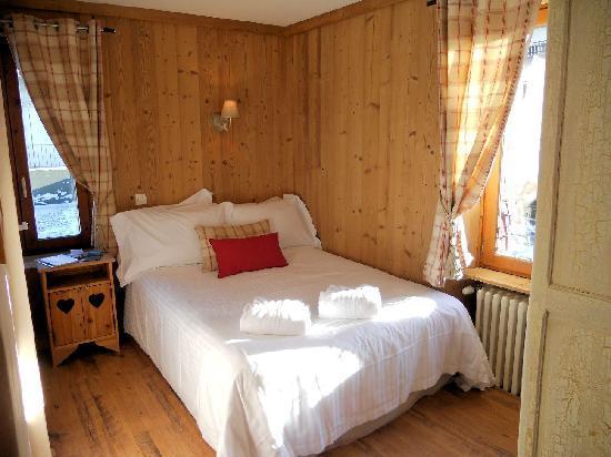 Les Cimes : Double bedroom